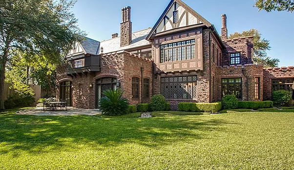 Casa estilo Tudor casa tudor  Constructora de casas Valle Andino casa tudor