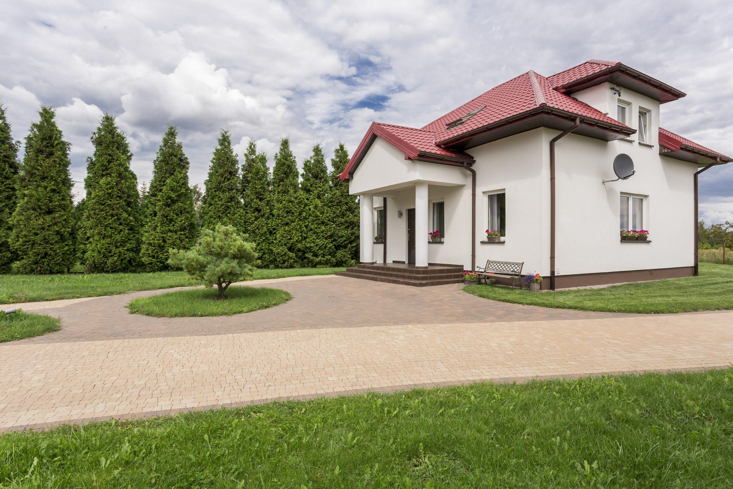 Casa de 150 M2 en 3.300 UF house in the suburbs PVYU5G3 scaled
